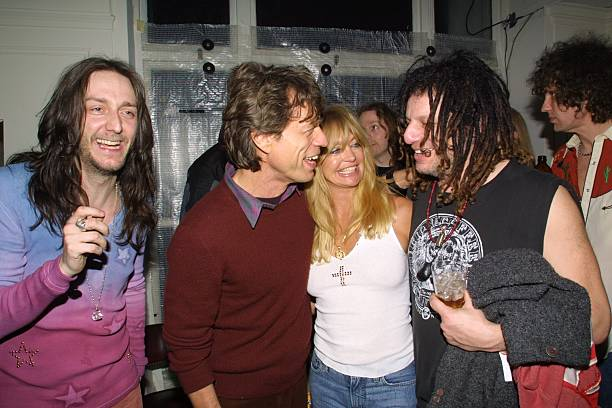 The Black Crowes, el topic - Página 2 Chris-robinson-mick-jagger-goldie-hawn-and-don-was-picture-id107570900?k=6&m=107570900&s=612x612&w=0&h=b-LPviYJesWqPoq7YH6r7lS9_4DYVHxi0Y6O4R7g0g8=