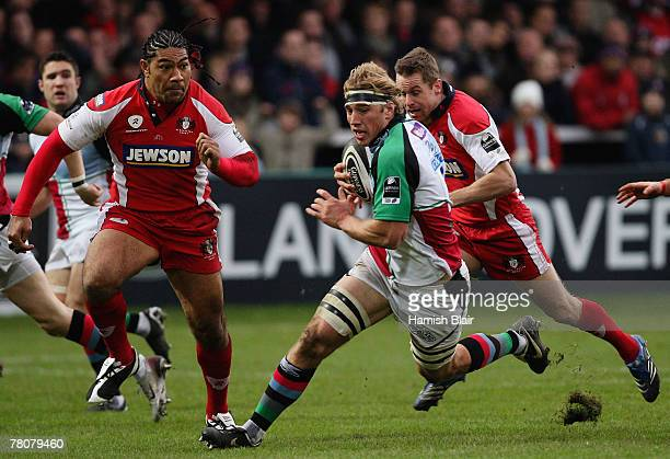 Chris Robshaw of Harlequins iin action during the Guinness Premiership match between Gloucester and Harlequins at Kingsholm Stadium on November 24,...