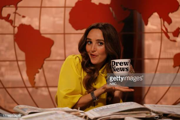 """Chris Rock"""" Episode 1786 -- Pictured: Chloe Fineman as Drew Barrymore during """"The Drew Barrymore Show"""" sketch on Saturday, October 3, 2020 --"""