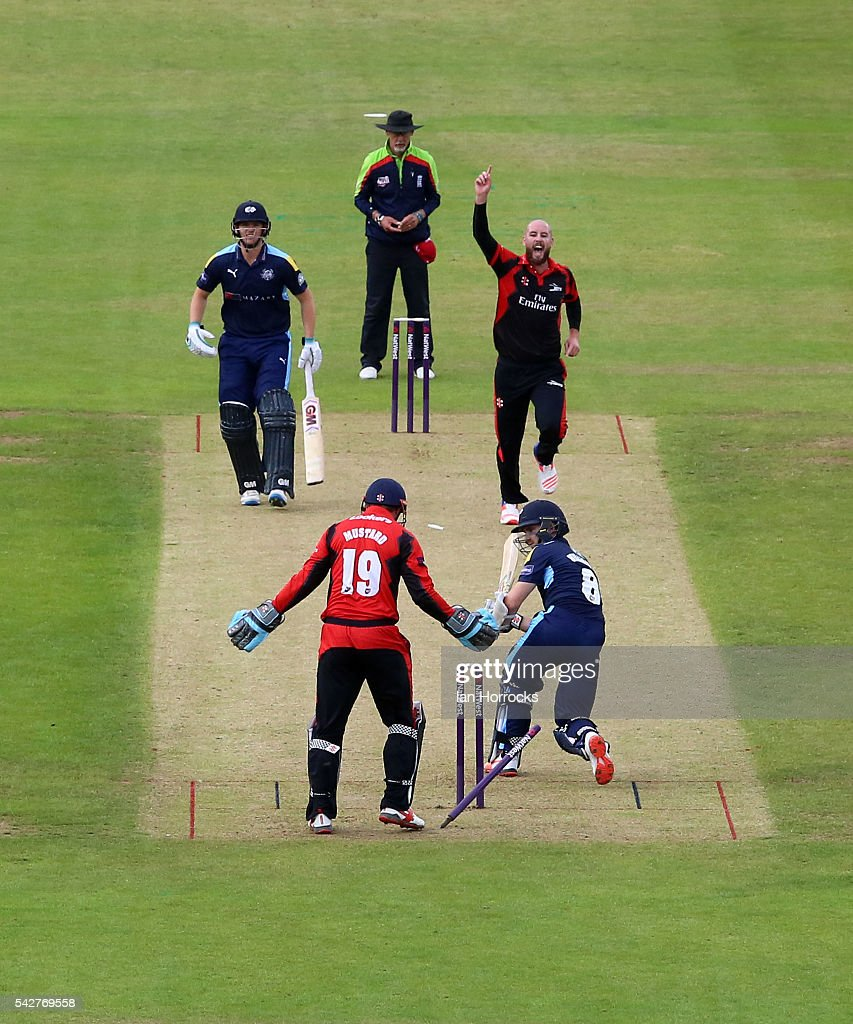 Chris Rushorth of Durham (topR) celebrates taking the wicket of Kane Williamson of Yorkshire during the NatWest T20 Blast game between Durham Jets and Yorkshire Vikings at Emirates Durham ICG on June 24, 2016 in Chester-le-Street, England.
