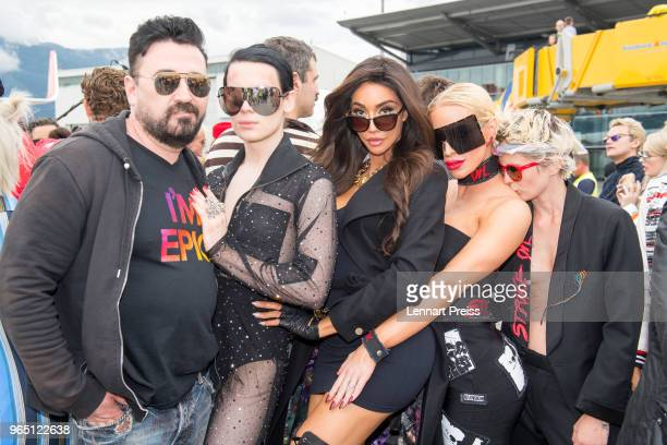 Chris Salgardo and guests pose during the arrival of the Life Ball plane on June 1 2018 in Salzburg Austria The EpicRiders travel from Zurich to...