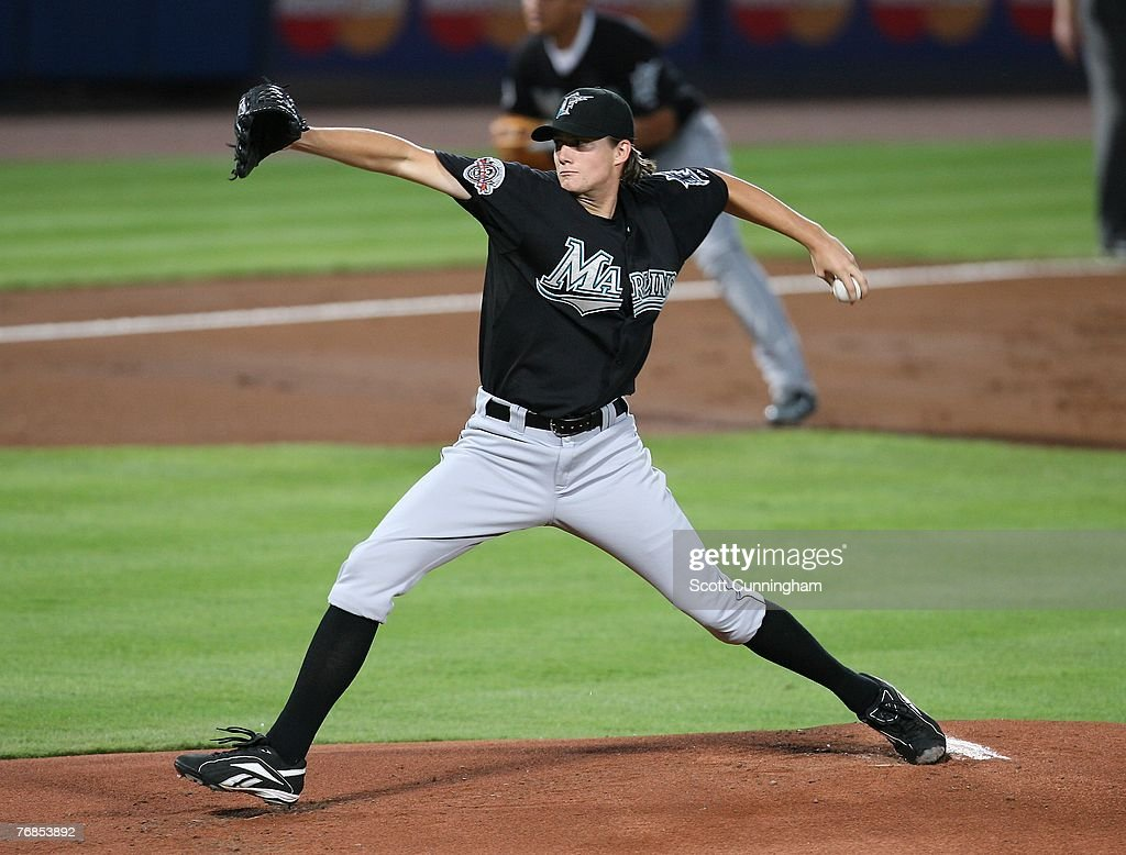 Chris Seddon #59 of the Florida Marlins pitches against the Atlanta Braves at Turner Field on September 18, 2007 in Atlanta, Georgia. The Braves defeated the Marlins 4-3.