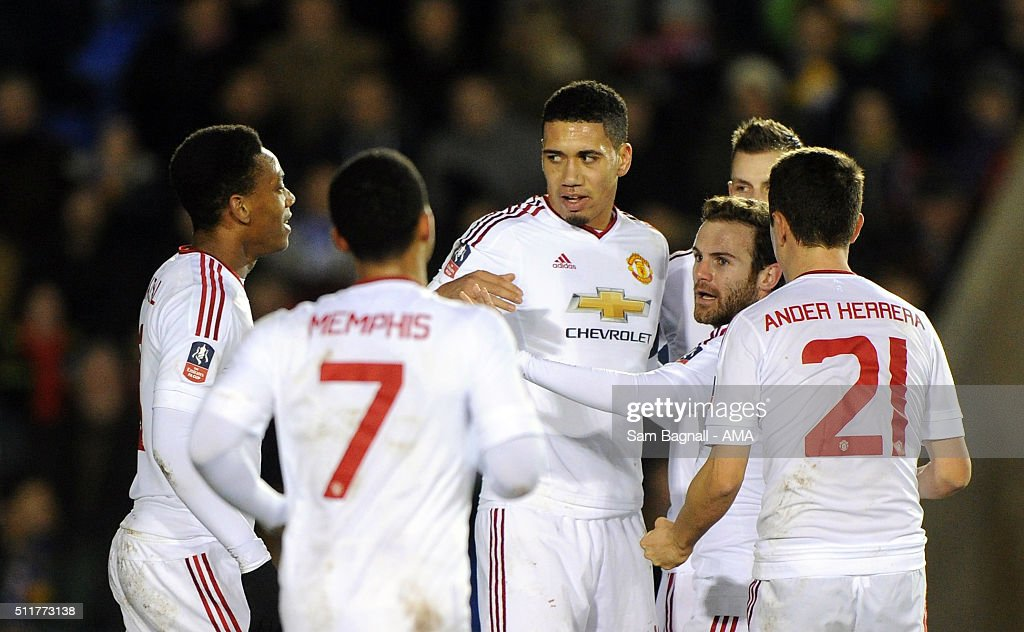 Shrewsbury Town v Manchester United - The Emirates FA Cup Fifth Round : News Photo
