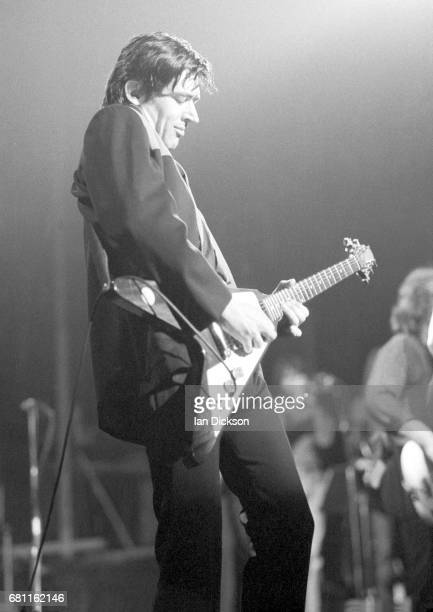 Chris Spedding performing on stage at Lyceum Theatre, London, 04 November 1977.