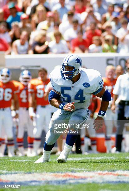 Chris Spielman of the Detroit Lions in action against the Denver Broncos during an NFL football game circa 1991 at Mile High Stadium in Denver...
