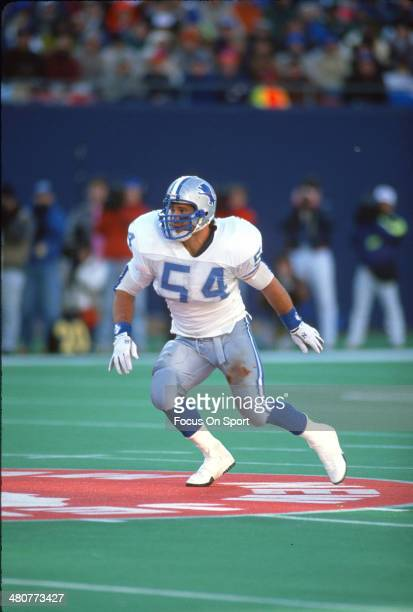 Chris Spielman of the Detroit Lions in action against the New York Giants during an NFL football game November 18 1990 at The Meadowlands in East...