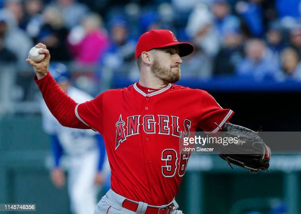Chris Stratton of the Los Angeles Angels of Anaheim pitches in the third inning during the game against the Kansas City Royals at Kauffman Stadium on...