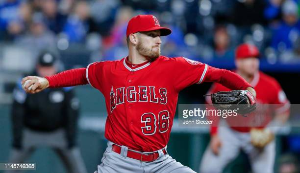 Chris Stratton of the Los Angeles Angels of Anaheim pitches in the fifth inning during the game against the Kansas City Royals at Kauffman Stadium on...