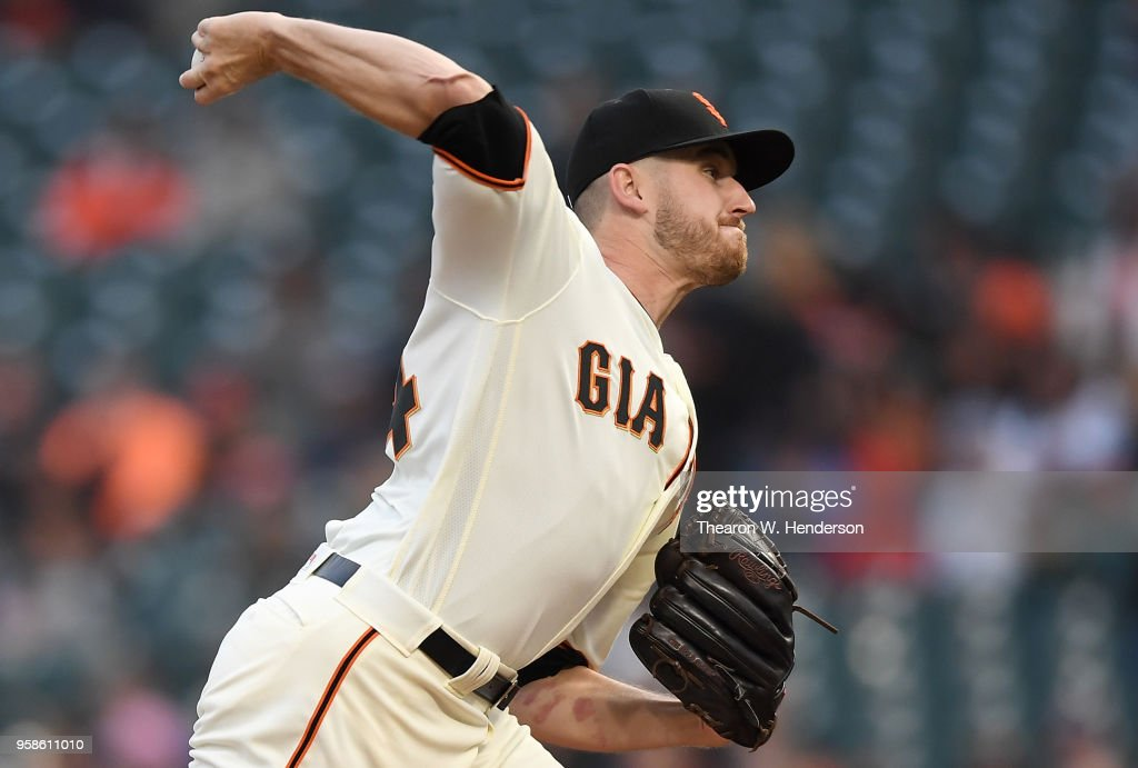 Chris Stratton #34 of the San Francisco Giants pitches against the Cincinnati Reds in the top of the first inning at AT&T Park on May 14, 2018 in San Francisco, California.