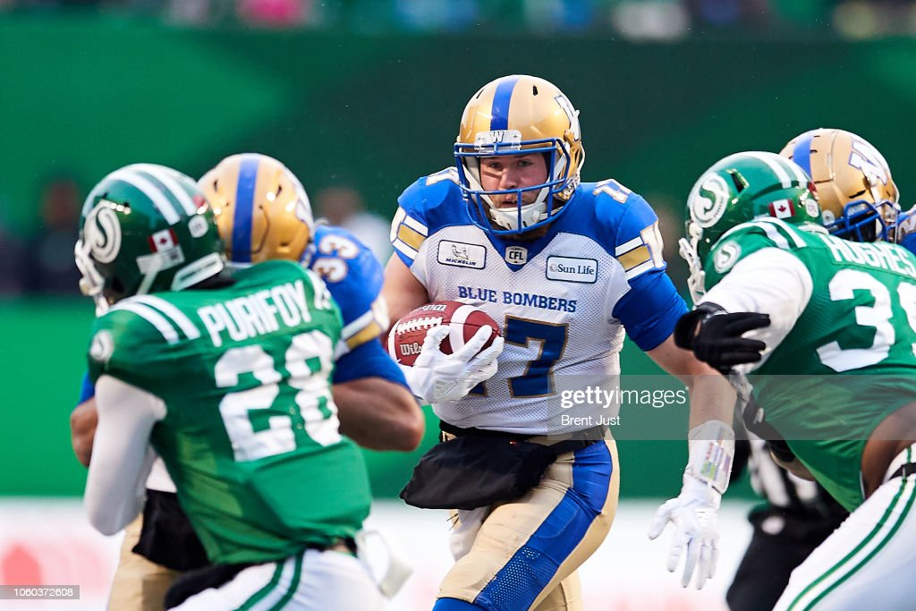 Western Semi-Final - Winnipeg Blue Bombers v Saskatchewan Roughriders : News Photo