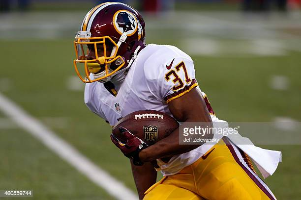 Chris Thompson of the Washington Redskins in action against the New York Giants during their game at MetLife Stadium on December 14 2014 in East...