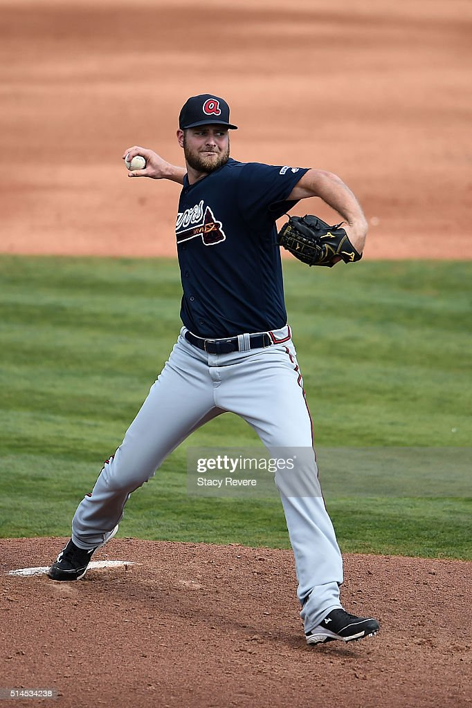 Chris Volstad #32 of the Atlanta Braves throws a pitch during the fourth inning of a spring training game against the Houston Astros at Osceola County Stadium on March 9, 2016 in Kissimmee, Florida.