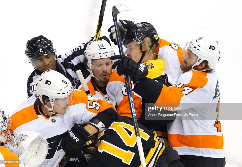 Philadelphia Flyers v Boston Bruins : News Photo