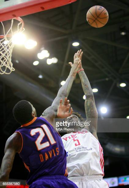 Chris Walker of the Rio Grande Valley Vipers shoots over Alex Davis of the Northern Arizona Suns at the State Farm Arena March 19 2017 in Hidalgo...