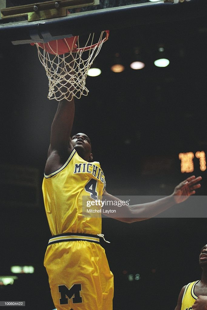 1993 NCAA Basketball Tournament - Second Round - Tucson : News Photo