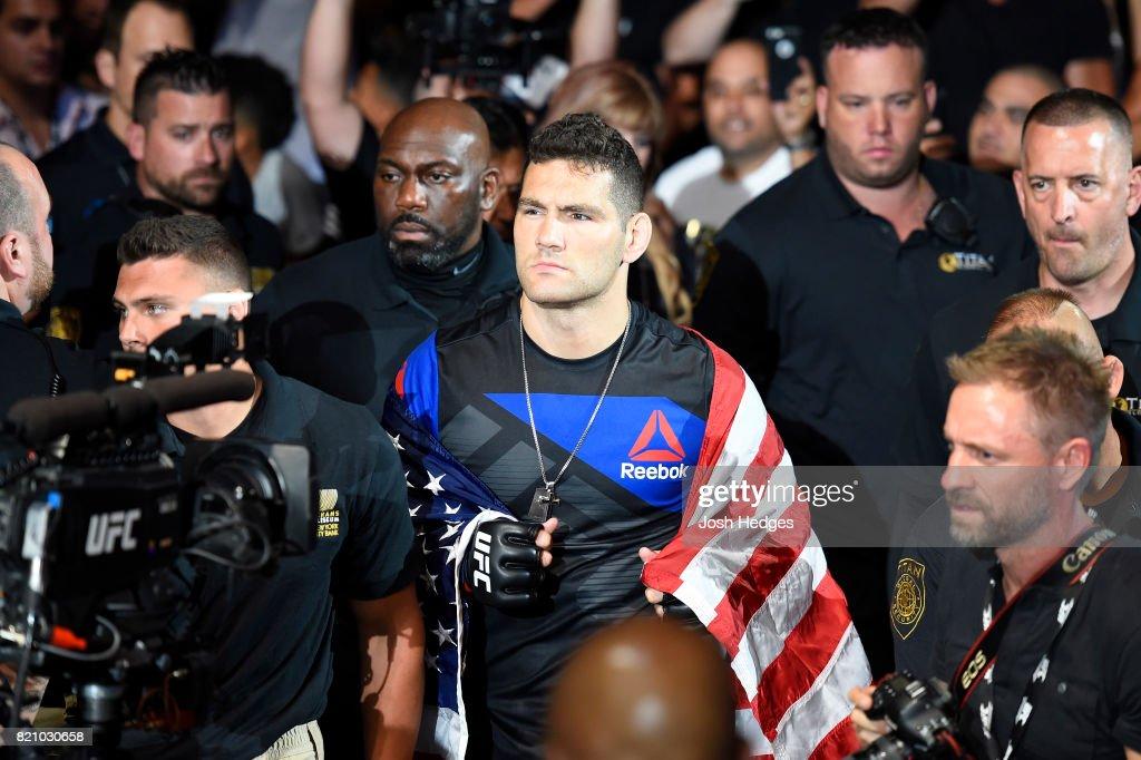 UFC Fight Night: Weidman v Gastelum : News Photo