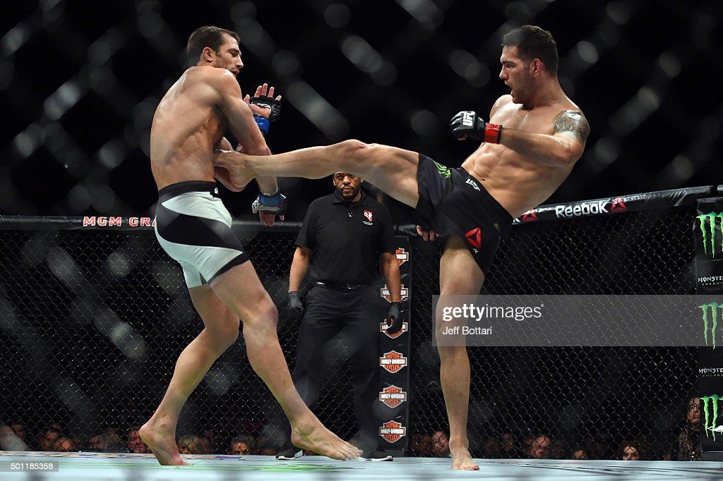 UFC 194: Weidman vs. Rockhold : News Photo