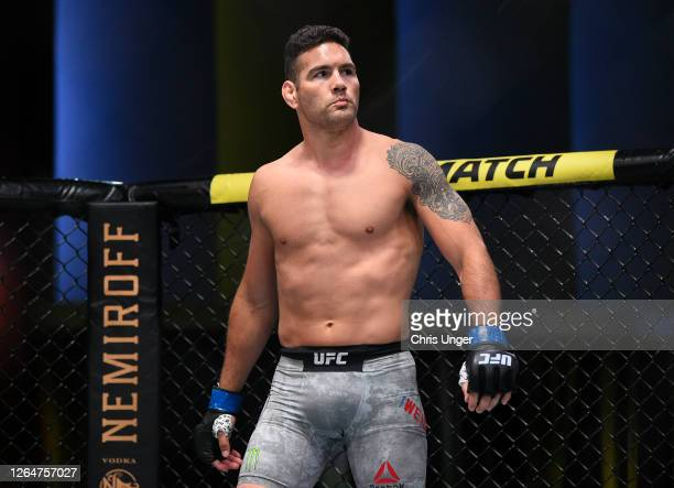 Chris Weidman prepares to fight Omari Akhmedov of Russia in their middleweight fight during the UFC Fight Night event at UFC APEX on August 08 2020...