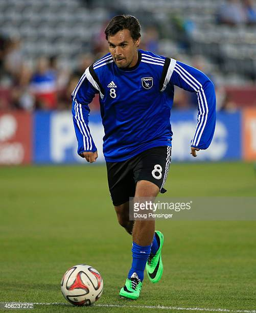 Chris Wondolowski of San Jose Earthquakes warms up prior to facing the Colorado Rapids at Dick's Sporting Goods Park on September 27 2014 in Commerce...