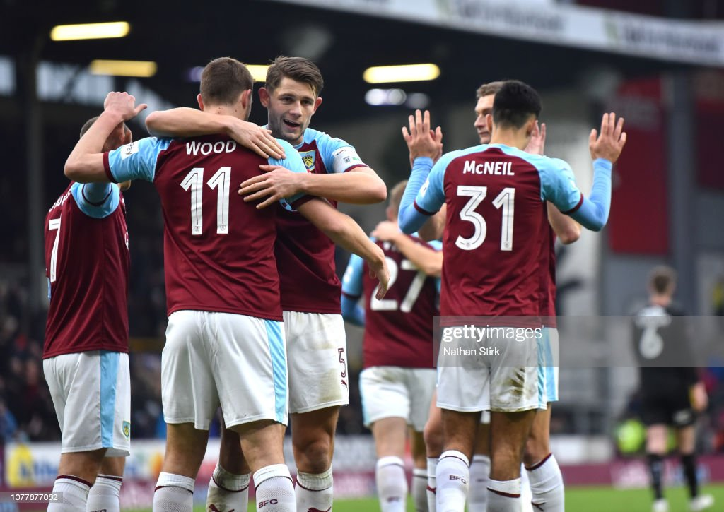 Burnley v Barnsley - FA Cup Third Round : News Photo