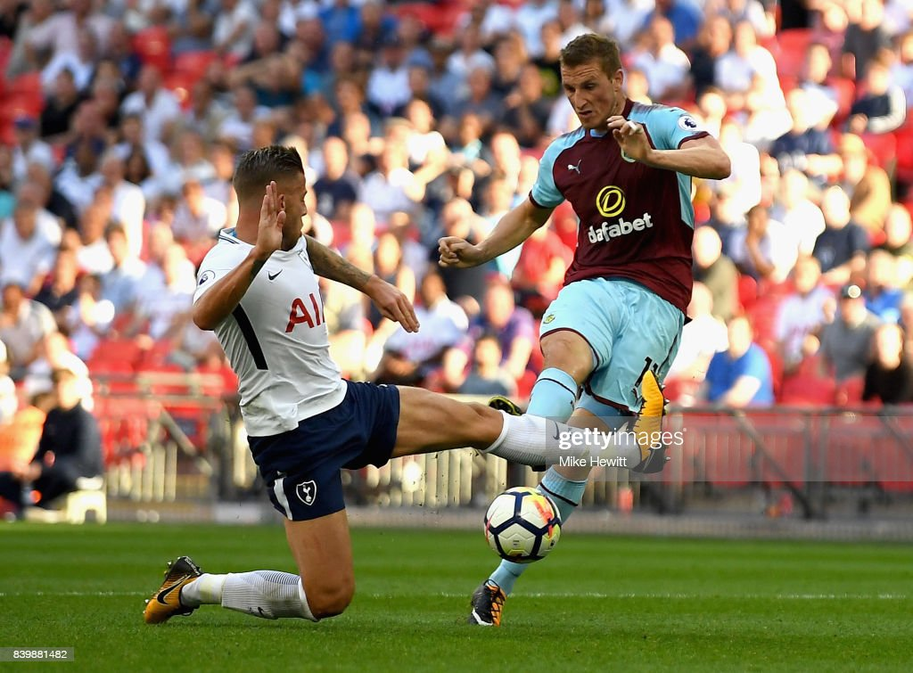 Chris Wood of Burnley scores his sides first goal during the Premier League match between Tottenham Hotspur and Burnley at Wembley Stadium on August 27, 2017 in London, England.