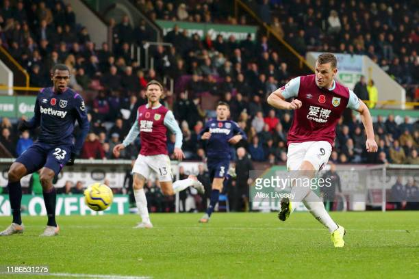 Chris Wood of Burnley scores his team's second goal during the Premier League match between Burnley FC and West Ham United at Turf Moor on November...