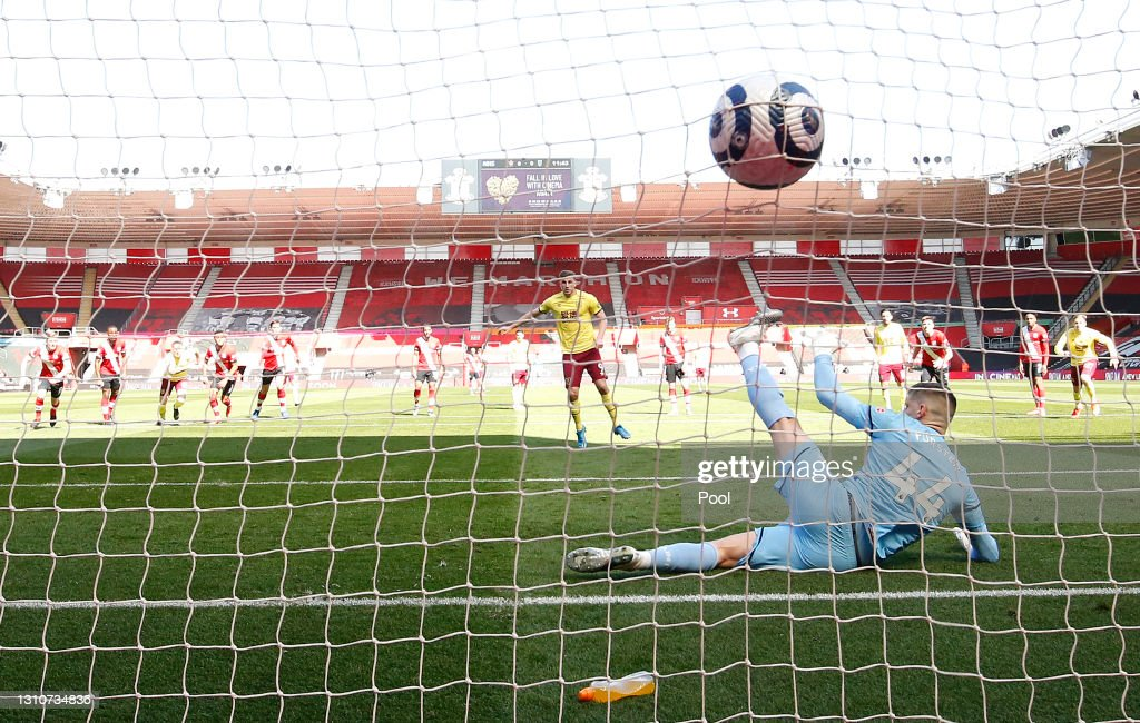 Southampton v Burnley - Premier League : ニュース写真