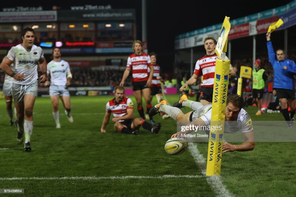 Chris Wyles of Saracens dives over in the corner only for the try to be disallowed during the Aviva Premiership match between Gloucester Rugby and Saracens at Kingsholm Stadium on November 17, 2017 in Gloucester, England.