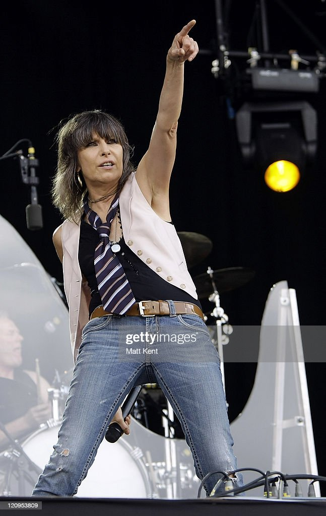 Chrissie Hynde of The Pretenders performs on day two of Hard Rock Calling at Hyde Park on June 27, 2009 in London, England.