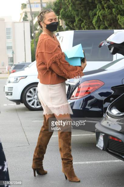 Chrissy Teigen grocery shopping on January 12, 2021 in Los Angeles, California. (Photo by MEGA/GC Images