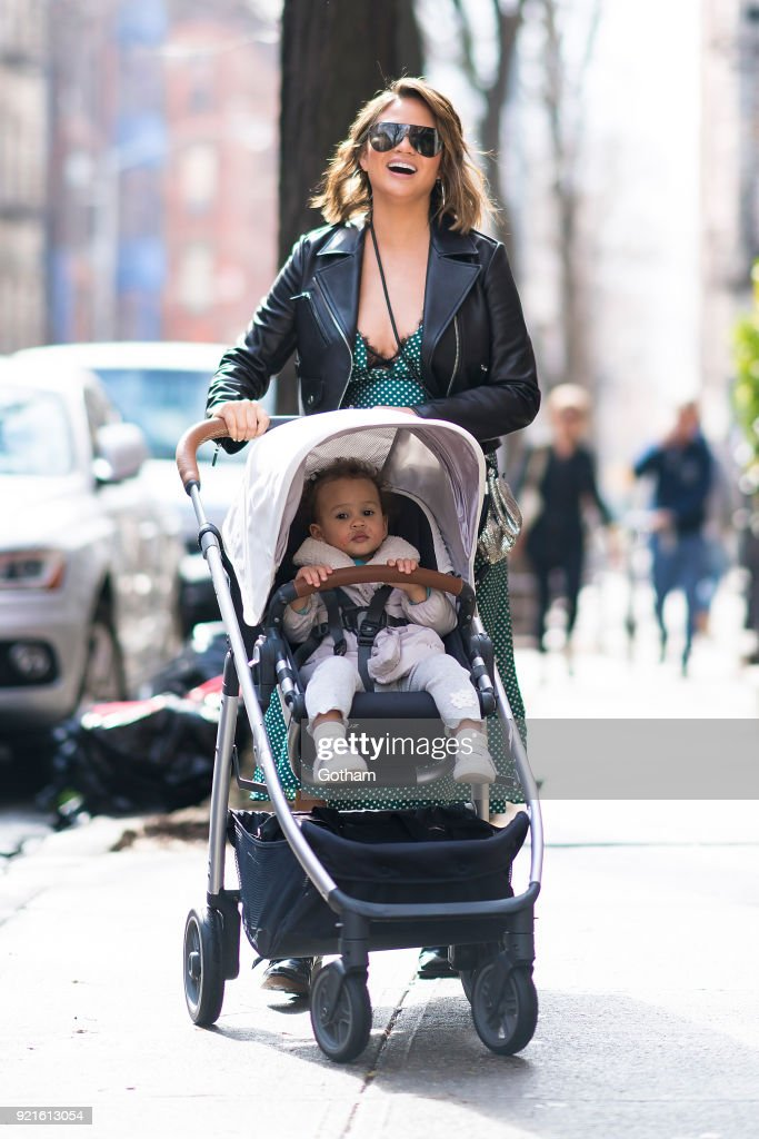 Celebrity Sightings in New York City - February 20, 201 : Foto di attualità