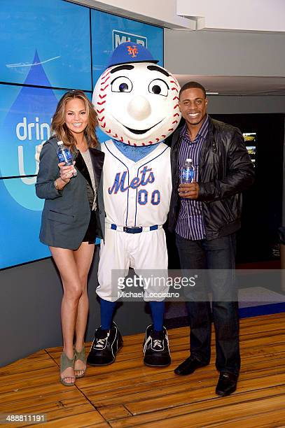 Chrissy Teigen Mr Met and Curtis Granderson attend the The New National Campaign 'Pledge Drink Win' Encouraging Kids To Drink More Water at MLB Fan...
