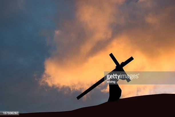 christ carrying the cross on good friday - lent stock pictures, royalty-free photos & images