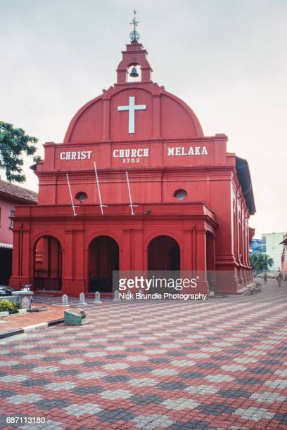 christ church in the town square, melaka (malacca), unesco world heritage site, malaysia - melaka state stock pictures, royalty-free photos & images