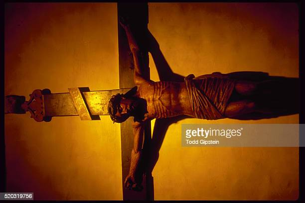 christ crucified on the cross. - gipstein stock pictures, royalty-free photos & images