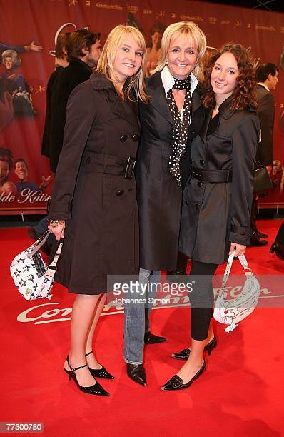 Christa Kinshofer and her daughters Stephanie and Alexandra attend the premiere of Lissi Und Der Wilde Kaiser at the Royal Residence on October 11...