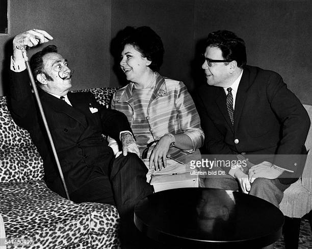 Christa LudwigSinger Germanywith the artist Salvador Dali and the singerWalter Berry