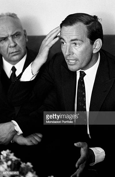 Christiaan Barnard the South African surgeon is sitting on a couch together with Vladimir Negovsky the Russian doctor considered to be the father of...