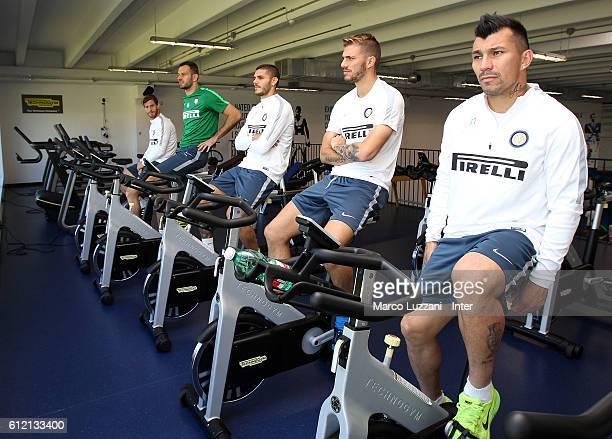 Christian Ansaldi Samir Handanovic Mauro Emanuel Icardi Davide Santon and Gary Alexis Medel of FC Internazionale Milano train in the gym during the...