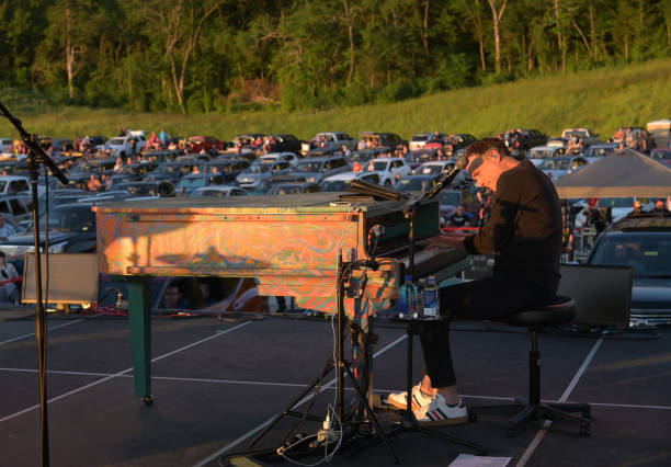 TN: Michael W. Smith Live Drive-In Worship Concert
