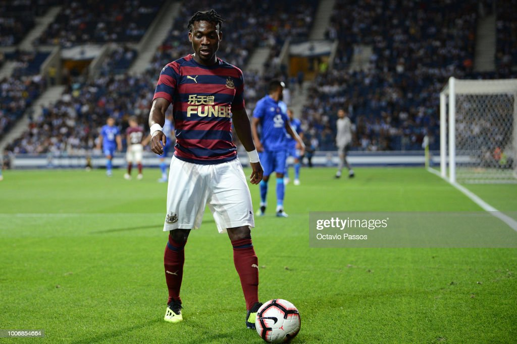 Christian Atsu of Newcastle in action during the pre-season friendly match between FC Porto and Newcastle at Estádio do Drago on July 28, 2018 in Porto, Portugal.