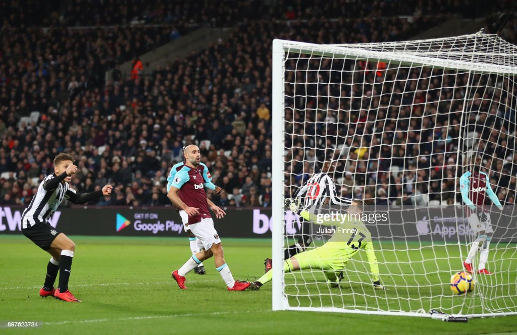 Christian Atsu of Newcastle United scores his sides third goal during the Premier League match between West Ham United and Newcastle United at London Stadium on December 23, 2017 in London, England.