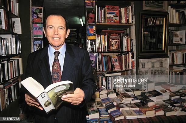 Christian Barnard in a Parisian bookshop