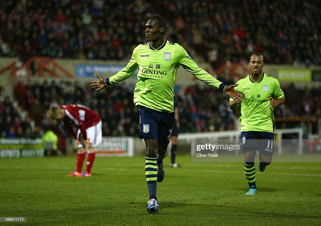 Swindon Town v Aston Villa - Capital One Cup Fourth Round : Photo d'actualité