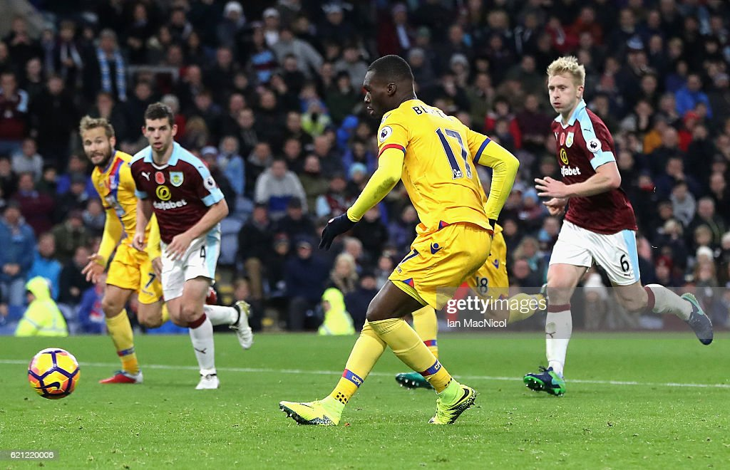 Christian Benteke of Crystal Palace scores his sides second goal from the penalty spot during the Premier League match between Burnley and Crystal Palace at Turf Moor on November 5, 2016 in Burnley, England.