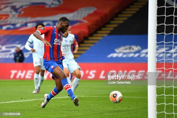 Christian Benteke of Crystal Palace scores his team's second goal during the Premier League match between Crystal Palace and Chelsea FC at Selhurst...