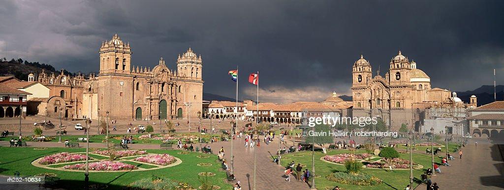 Christian cathedral and square, Cuzco (Cusco), UNESCO World Heritage Site, Peru, South America : Foto de stock