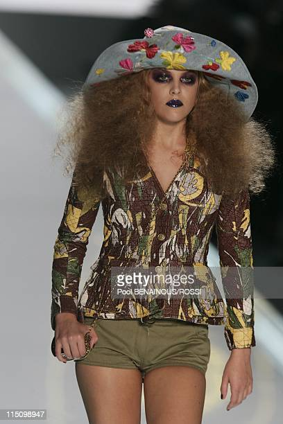 Christian Dior SpringSummer 2005 ready to wear fashion show in Paris France on October 05 2004 Fifteenyearold model Riley Keough Elvis Presley's...