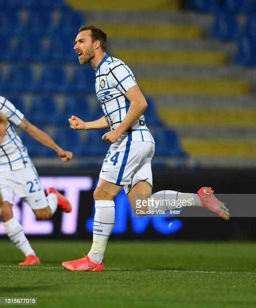 Christian Eriksen of FC Internazionale celebrates after scoring the opening goal during the Serie A match between FC Crotone and FC Internazionale at...