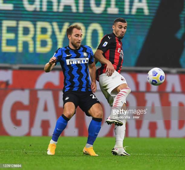 Christian Eriksen of FC Internazionale in action during the Serie A match between FC Internazionale and AC Milan at Stadio Giuseppe Meazza on October...